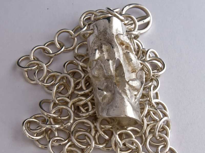 colonne-brisee-bijoux-masque-argent-pendentif-800