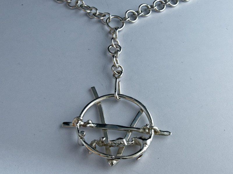 colonne-brisee-bijoux-argent-bracelet-v-pour-vendetta-800